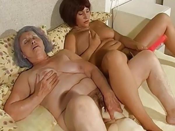 пожилые мастурбируют друг на друга смотреть онлайн - 1