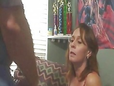 Mature lady sucking and deepthroating a dick like a professional