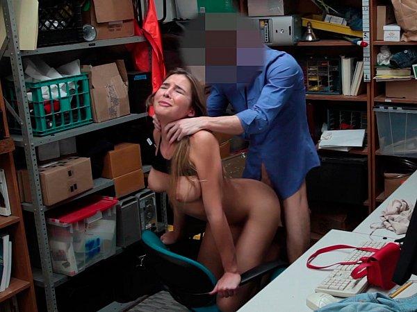 Порно в подсобке полненькая, частное порно поделись женой