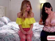 Teen blonde gets licked by teen brunette
